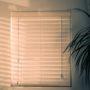 Co zamontować w oknie?